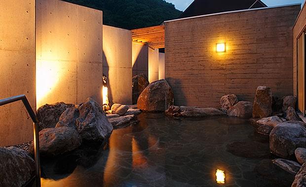 北湯沢温泉郷<br>湯元 ホロホロ山荘